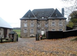 voorgevel van de Château de Wanne